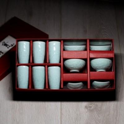 Набор чайных селадоновых чаш с изображением дракона